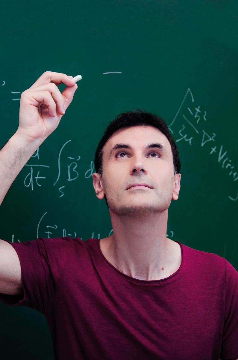 Jorge Mira, catedratico da usc, fisico